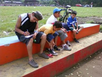 la concha soccer change shoes